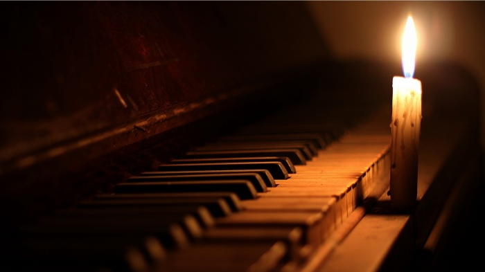piano_and_candle-1920x1080